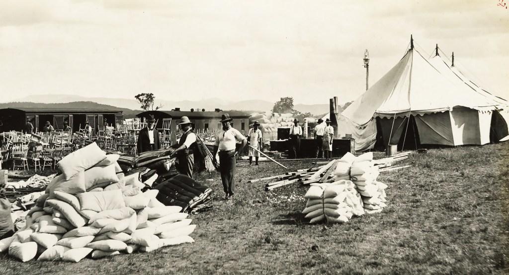 Setting up the quarantine camp at Wallangarra in 1919.